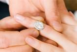 Nowy trend w świecie biżuterii - diamenty z ludzkim DNA